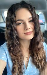 Алина — преподаватель английского и французского по скайпу