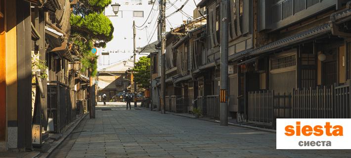 Испанская улица во время сиесты